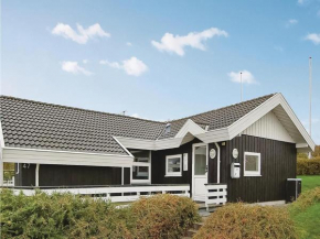 Holiday home Oluf Ravnsvej in Bjert